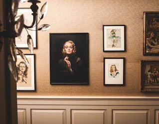 21 club restaurant art collection
