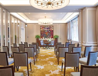 micro-wedding in chelsea london conference room