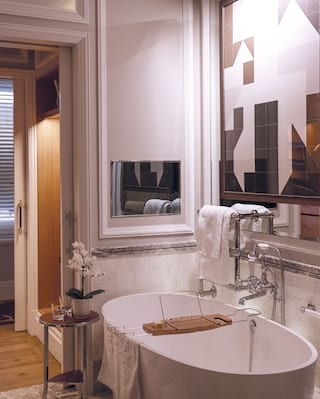 Belmond Cadogan junior suite bathroom
