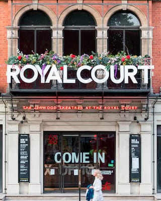 Royal Court tour in Chelsea