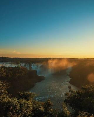 Chutes d'Iguazú à l'aube