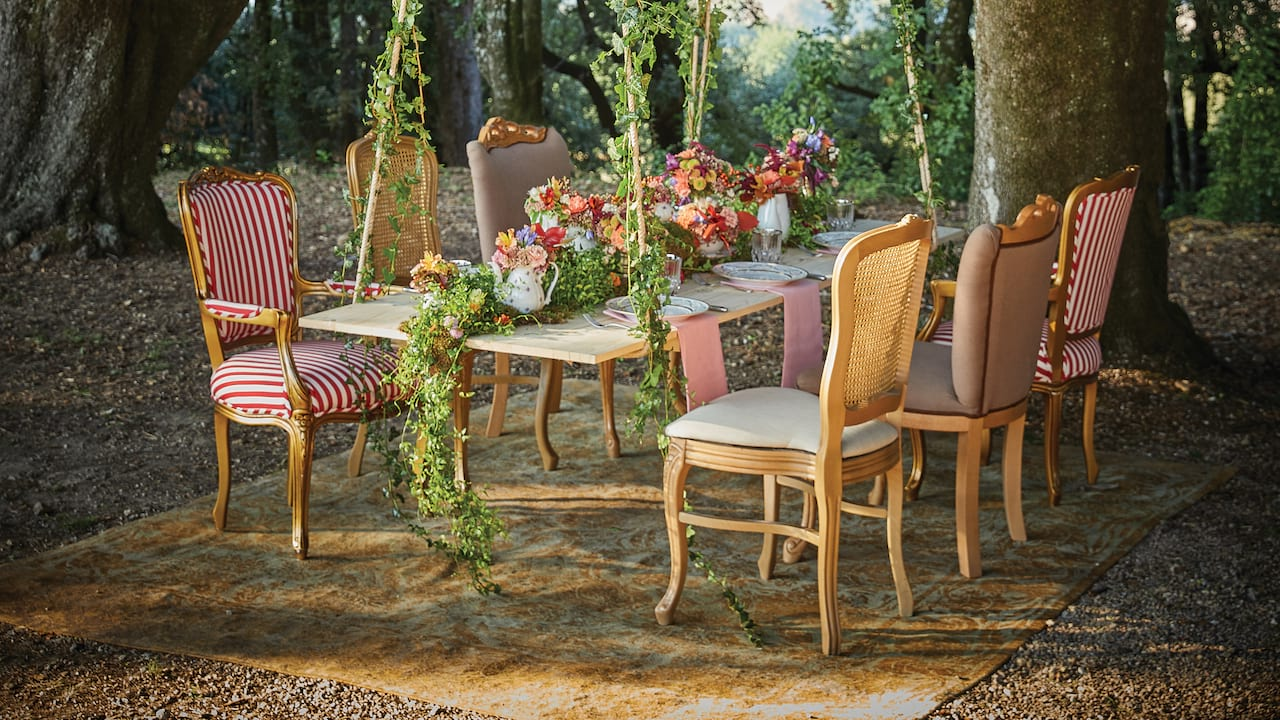 Outdoor dining with Belmond