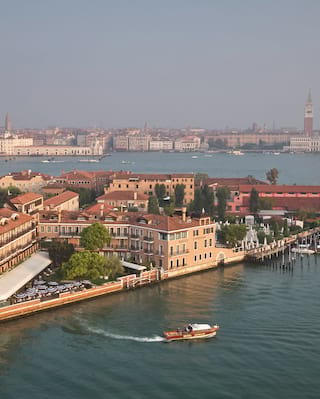 Aerial view of Cipriani beside the Venetian lagoon
