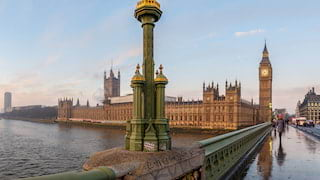 View across the Thames of the houses of parliament from Westminster Bridge