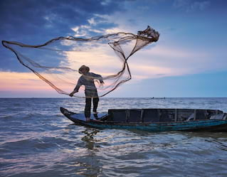 Tonle Sap Tours, fisherman on Tonle Sap Lake