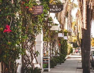 Boutiques and cafes in downtown Santa Barbara