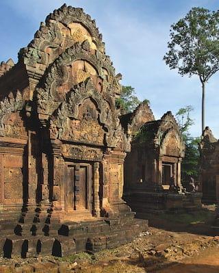 Bantay Srei Temple - Angkor Wat Tours