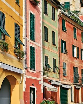 Farbenfrohe Gebäudefassaden in Portofino