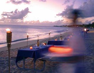 Baie longue sunset beach dinner