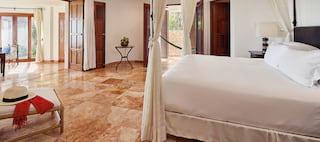 Oceanfront One-Bedroom Suites