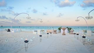 Beach wedding decore on the beach
