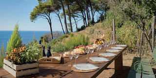 Spectacular ocean views during a winetasting set up