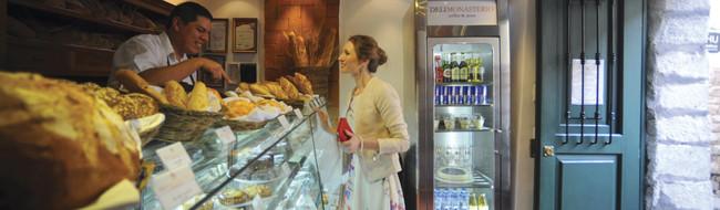 Panadería en Perú, tienda Deli en Cusco