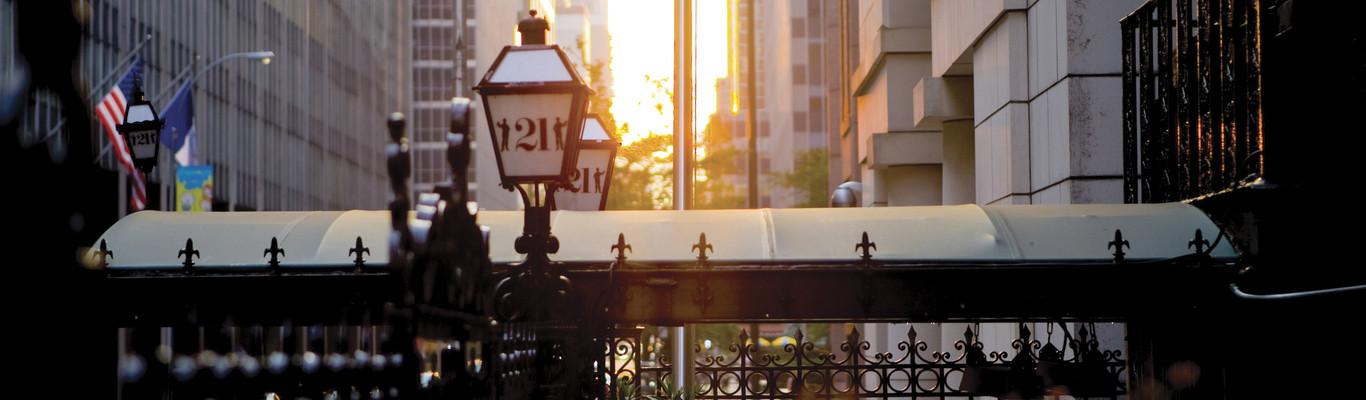 21 | Legendäres Restaurant in Midtown Manhattan, New York City