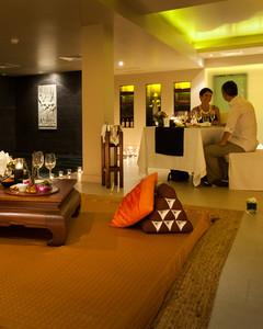 Romantic Dining in Angkor